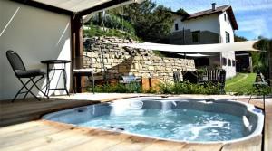 Piemonte: volledig gerenoveerde luxueuze villa met zwembad en jacuzzi