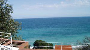 Ligurië: moderne villa met indrukwekkend zeezicht