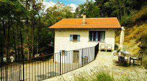 Smaakvol gerenoveerd vakantiehuisje met terras en tuin op de grens Piemonte / Ligurië