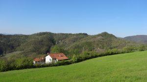 Typisch Piemontese villa opgebouwd in Langhe stenen