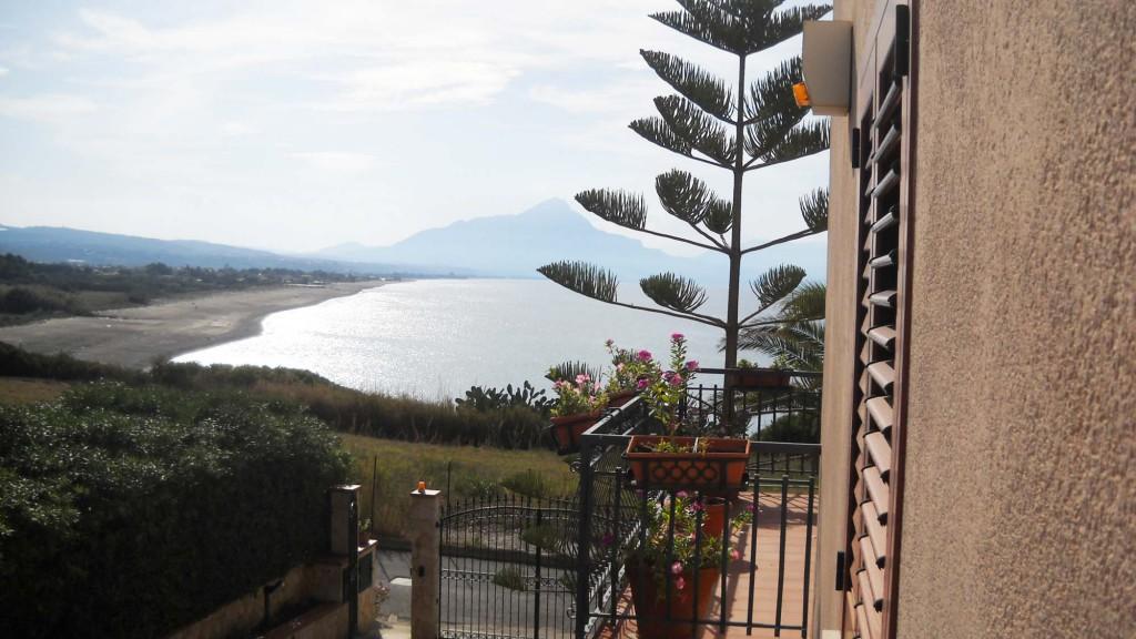 Sicilia: Villa in Cefalù op een unieke positie, met zeezicht