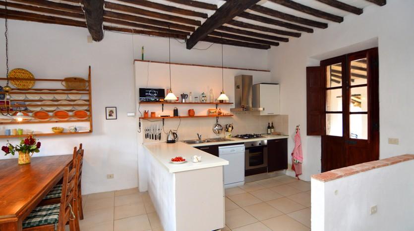 Toscane: alleenstaand, karakteristiek dorpshuis