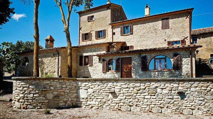 Umbria: gerenoveerd landhuis met zwembad
