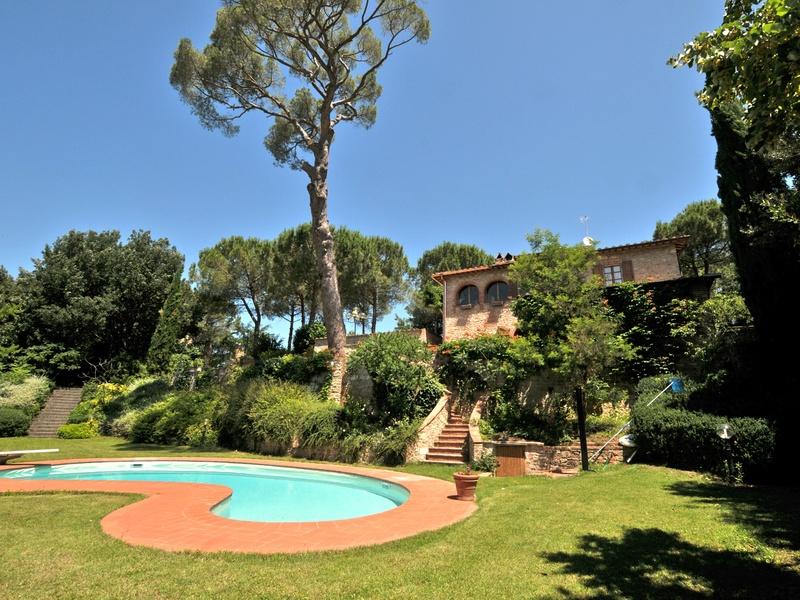 Toscane: villa met zwembad in de buurt van Siena