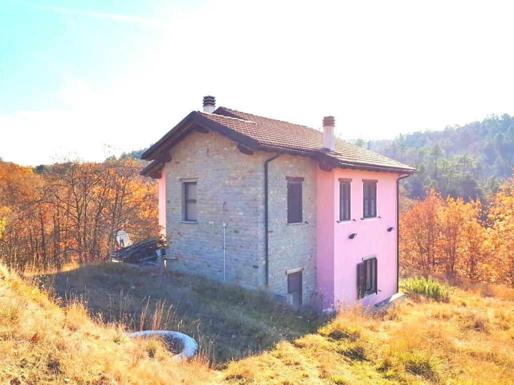 Liguria – Rustig gelegen, alleenstaande villa met tuin op 25 km van de Palmenrivièra