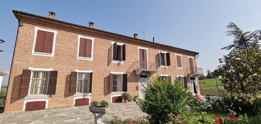 Piemonte: ruime woning tussen de Unesco wijnheuvels