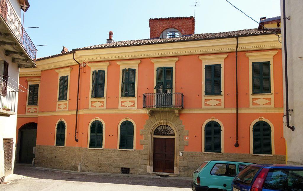 Indrukwekkende palazzo met tuin in het hart van Spigno Monferrato