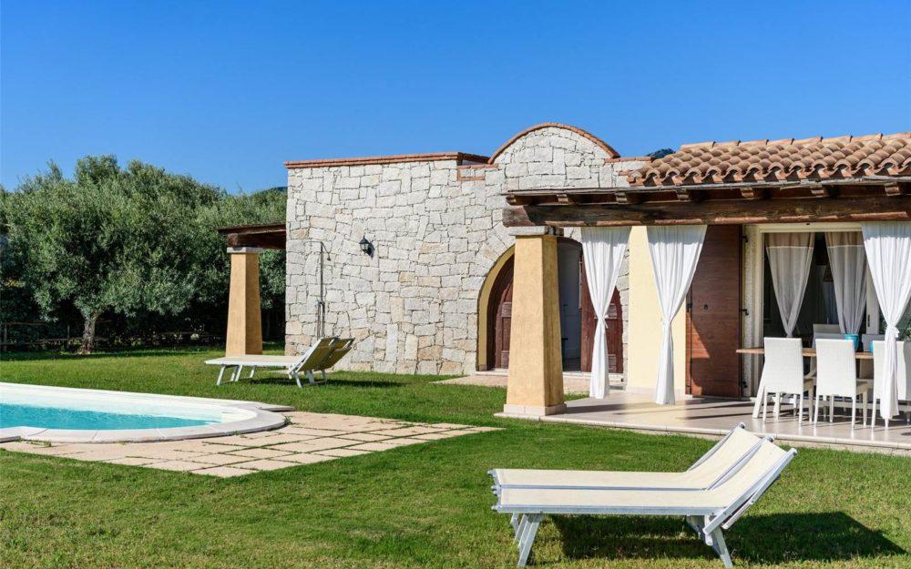 Sardinië: droomvilla met zwembad te koop vlakbij het strand van Cala Sinzias – Costa Rei