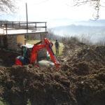 Een zwembad bouwen in coronatijden: 'Nu zitten we hier met een krater in de tuin