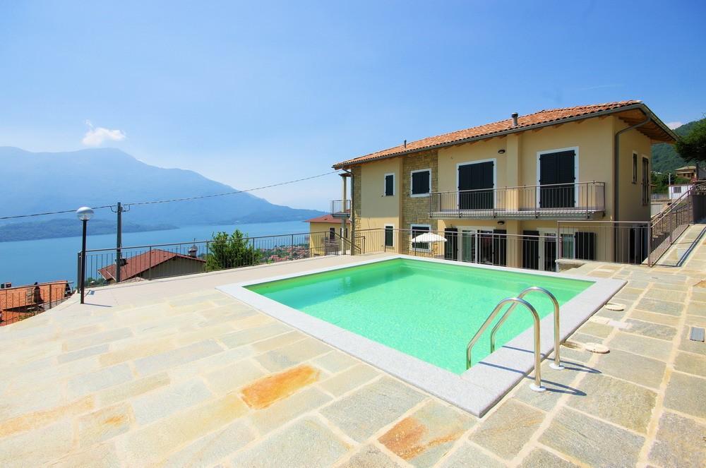 Como meer: Appartement met zwembad en zicht op het meer te koop